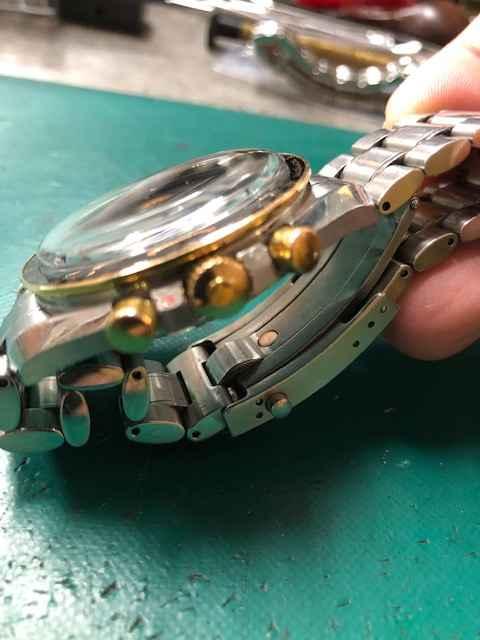 オメガスピードマスタープロフェッショナル限定モデルRef.3366.51ガラス交換しました